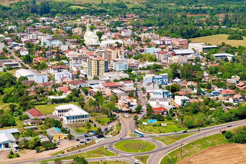 Prefeitura de Alto Taquari - MT abre concurso público