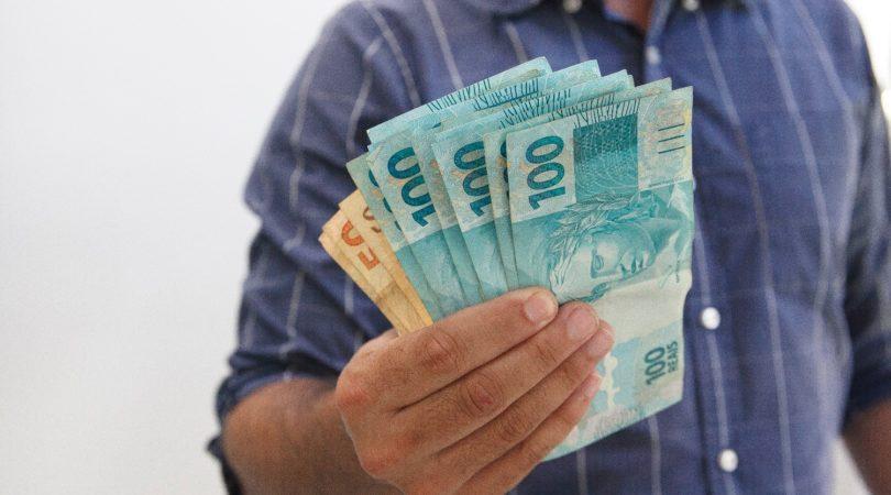 Novo programa assistencialista pode pagar R$ 400 de benefício